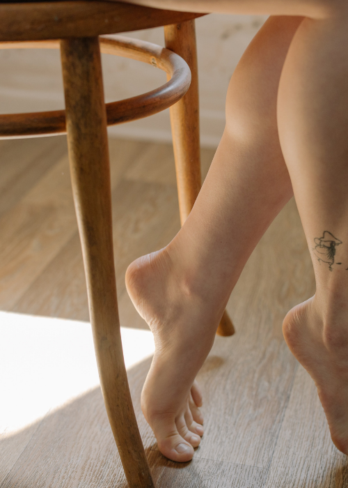 Männerfüße schöne Fußnägel Lackieren